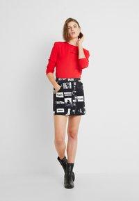Calvin Klein Jeans - LOGO STRETCH SLIM - Top sdlouhým rukávem - racing red - 1