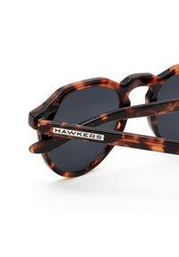 Hawkers - WARWICK - Sunglasses - brown - 4