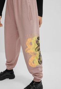 Bershka - Teplákové kalhoty - dark purple - 3