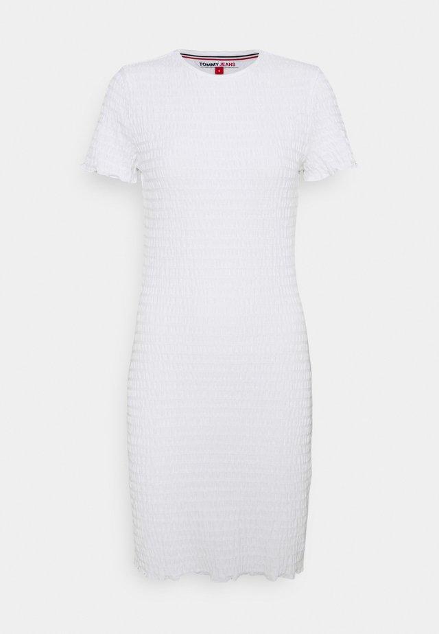 BODYCON SMOCK DRESS - Etui-jurk - white
