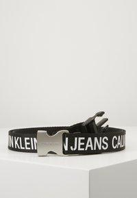 Calvin Klein Jeans - LOGO TAPE CLIP BELT  - Gürtel - black - 0
