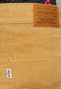 Levi's® - HIGH RISE BOOTCUT - Trousers - iced coffee - 5