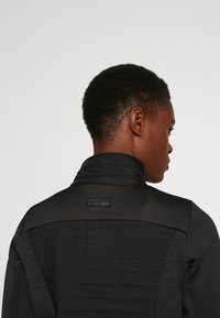 ONLY PLAY Tall - ONPJOLINA PADDED SHORT JACKET - Chaqueta de entretiempo - black - 3