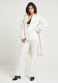 NA-KD - ZALANDO X NA-KD - Zimní kabát - off white - 1