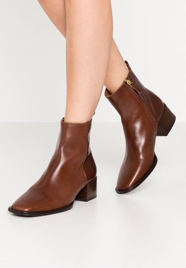 Classic ankle boots - nut desire