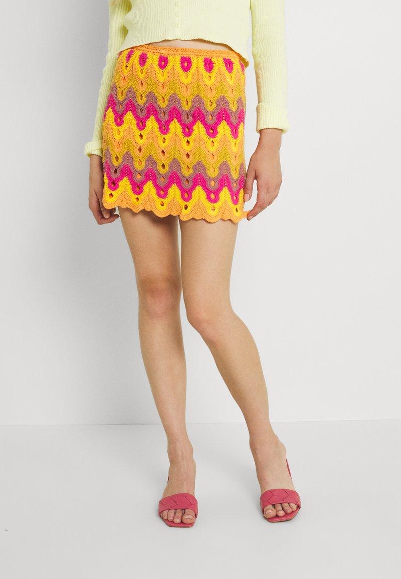Free People - HEAT OF THE MOMENT CROCHE - Mini skirt - orange/pink