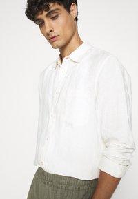 ARKET - SHIRT - Shirt - white dusty light - 5