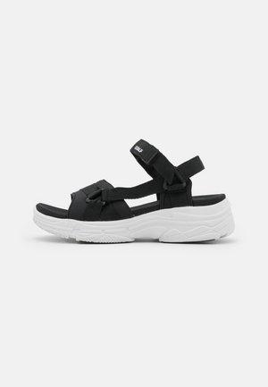 SOFIA - Sandalen met plateauzool - black