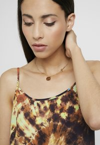 Guess - PEONY ART - Necklace - gold-coloured - 1