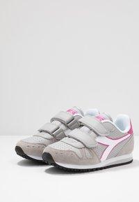 Diadora - SIMPLE RUN UP - Løbesko walking - ash/rose violet - 3