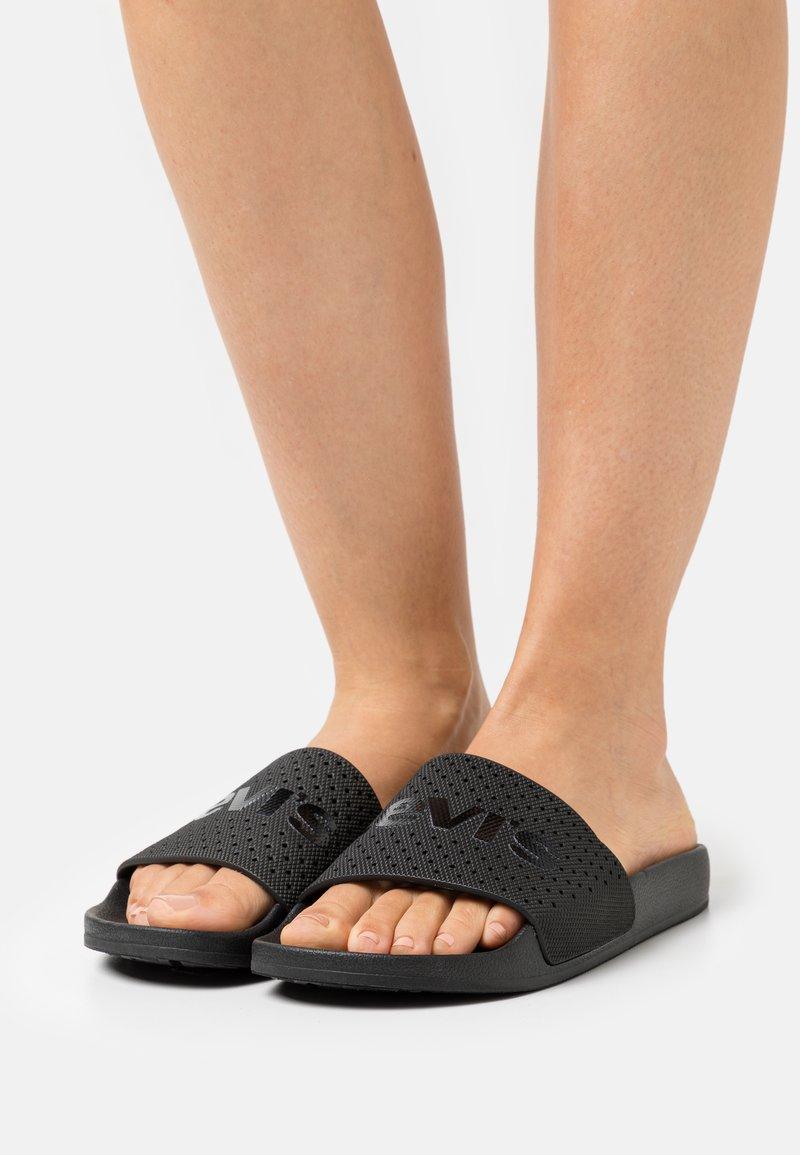 Levi's® - JUNE  - Sandaler - regular black