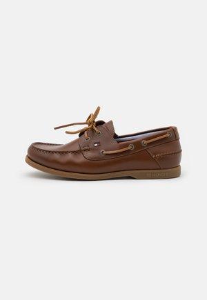 CLASSIC - Boat shoes - desert khaki