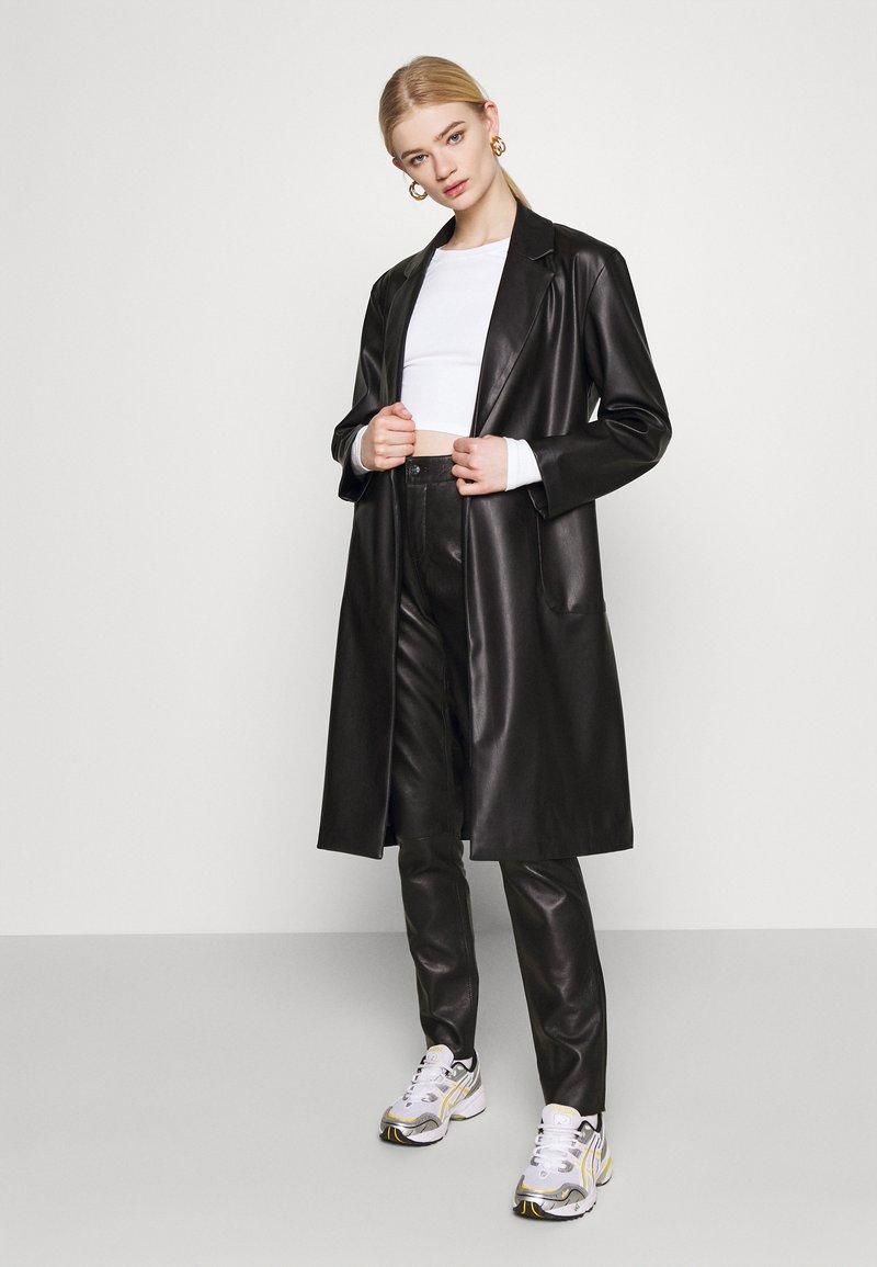 Monki - BARB 2 PACK - Långärmad tröja - black dark/white