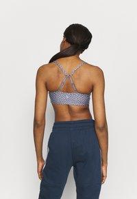 Cotton On Body - WORKOUT YOGA CROP - Sujetadores deportivos con sujeción ligera - blue - 2