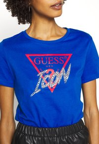 Guess - ICON  - Print T-shirt - blue romance