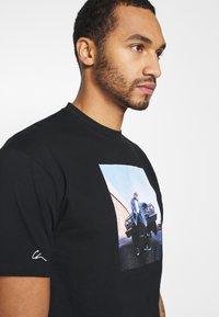 Chi Modu - EAZY - Print T-shirt - black - 4