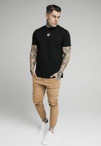 SIKSILK - CUFFED - Jeans Skinny Fit - beige - 1