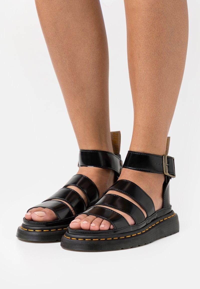 Dr. Martens - VEGAN CLARISSA  - Sandály na platformě - black oxford