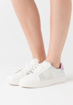 ONLSAGE - Sneaker low - white/rose/silver