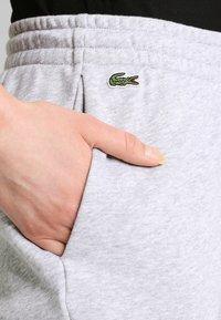 Lacoste Sport - LOESCHLISTE - WOMEN TENNIS TROUSERS - Pantalon de survêtement - silver chine - 3