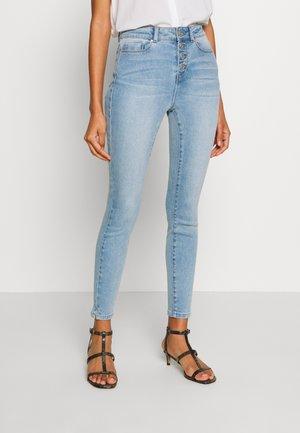 NMCALLIE ANKLE  - Skinny džíny - light blue denim