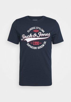 JELOGO - T-shirt z nadrukiem - navy blazer