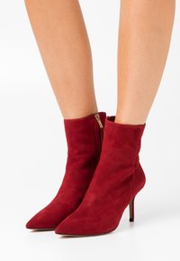 Pura Lopez - Classic ankle boots - dark red - 0
