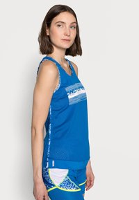 ONLY PLAY Tall - ONPANGILIA TRAINING - Top - imperial blue/white - 3