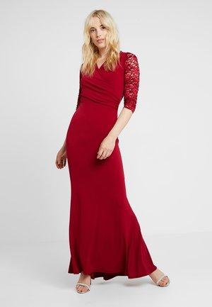 Společenské šaty - rot