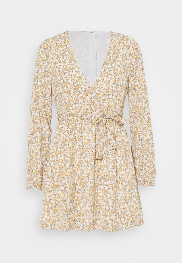 FLORAL BELTED WRAP FRONT SKATER DRESS - Korte jurk - cream