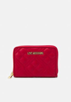 QUILTED ZIP CASE - Portemonnee - rosso