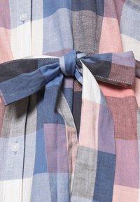 Barbour - TERN CHECK DRESS - Sukienka koszulowa - oyster pink - 5