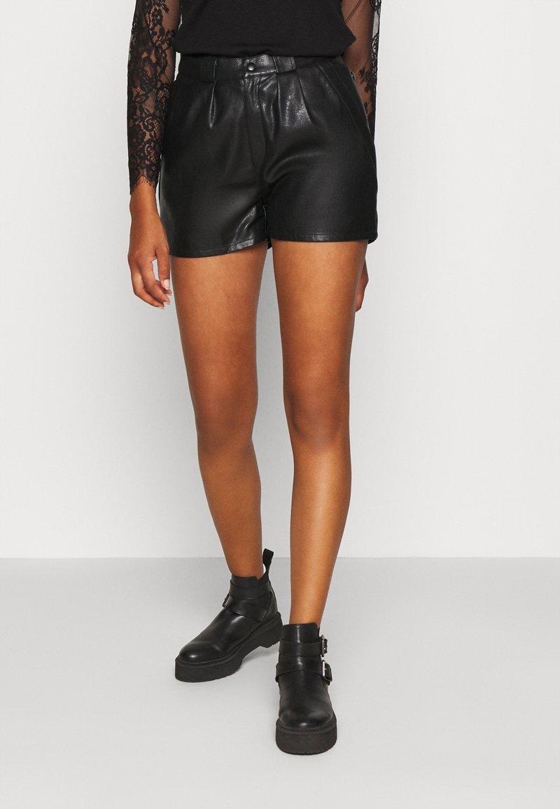 Molly Bracken - Shorts - black