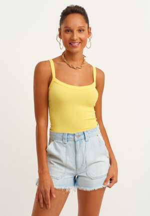 Top - chick yellow