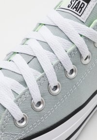 Converse - CHUCK TAYLOR ALL STAR UNISEX - Sneakers basse - blue/white/barely volt - 5