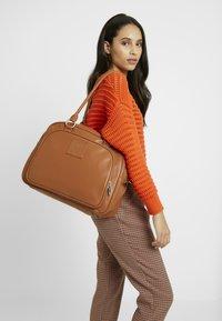 Lässig - TENDER CIPO BAG SET - Baby changing bag - cognac - 1
