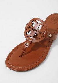Tory Burch - MILLER - Sandály s odděleným palcem - vintage - 2