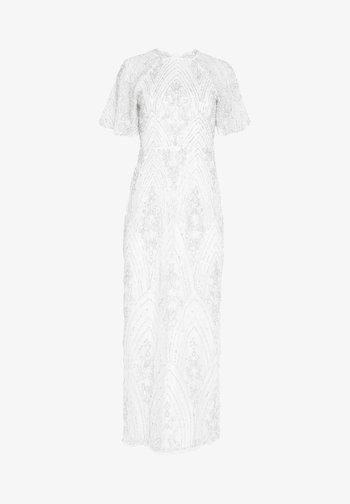 GRACY - Společenské šaty - white