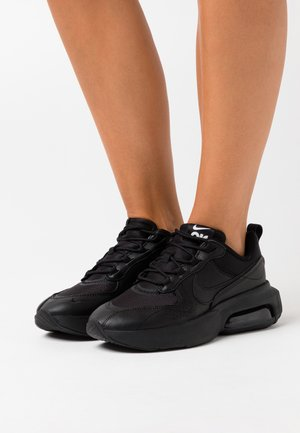 AIR MAX VERONA - Trainers - black/metallic silver