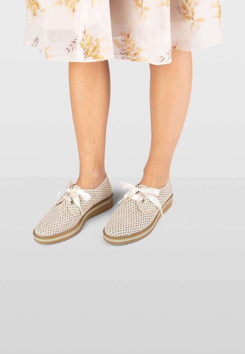 Hispanitas - NICOLE  - Sportieve veterschoenen - white