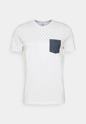 T-shirt med print - white base blue element design