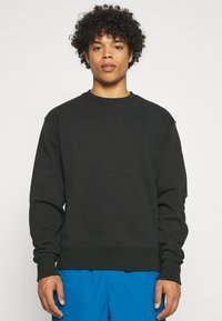 adidas Originals - BASICS CREWNECK UNISEX - Sweatshirt - black - 0