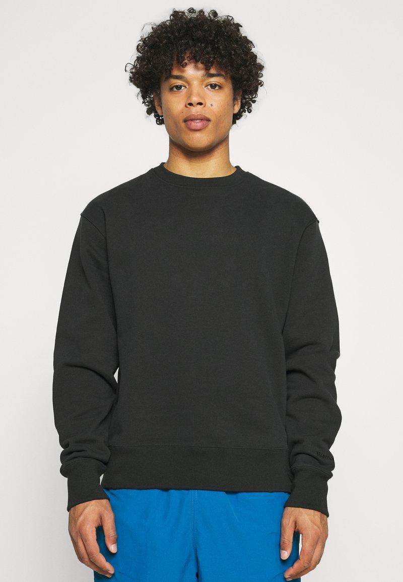adidas Originals - BASICS CREWNECK UNISEX - Sweatshirt - black