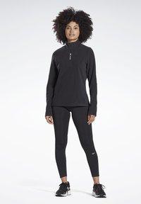 Reebok - OUTERWEAR QUARTER-ZIP TOP - Fleece jumper - black - 1