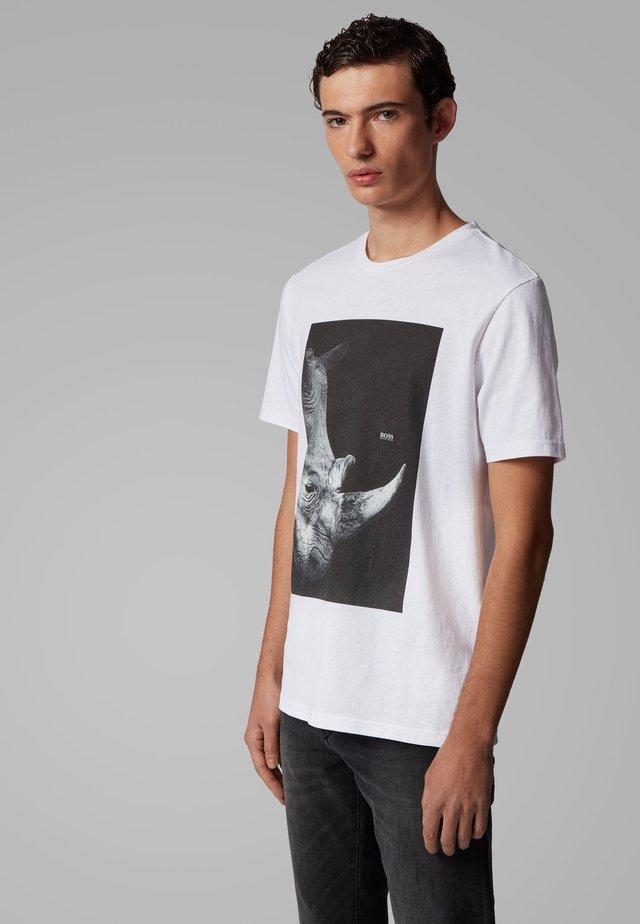 TROAAR 2 - T-shirt con stampa - natural