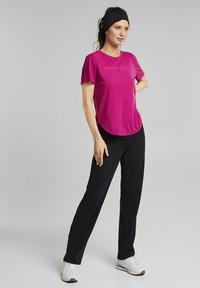 Esprit Sports - MIT LOGO-PRINT - Print T-shirt - pink - 1