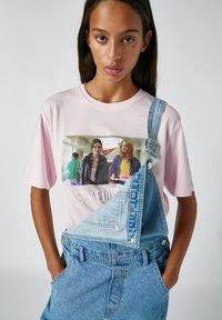 PULL&BEAR - Print T-shirt - rose - 7