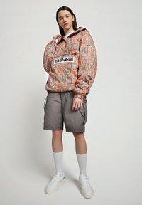 Napapijri - HANAKAPI - Shorts - grey gargoyle - 1