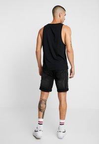 Redefined Rebel - COLOGNE DESTROY - Denim shorts - marble black - 2