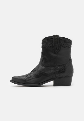 WEST - Cowboy/biker ankle boot - black